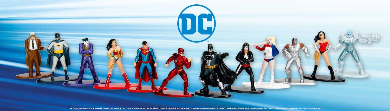DC Metals die cast Captain Marvel